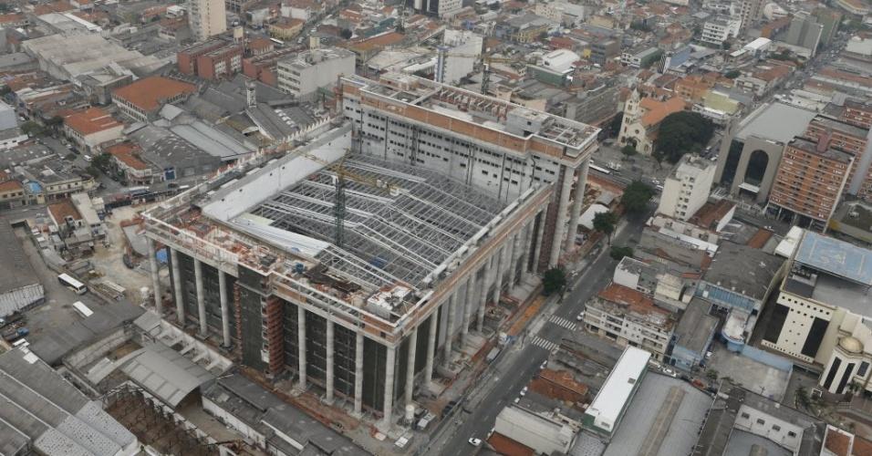 Imagem aérea do templo Salomão, em construção na zona leste de São Paulo