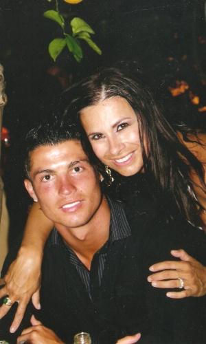 Lilian Ramos circula tanto pelas festas na Itália que até descolou uma foto ao lado do português Cristiano Ronaldo, o melhor jogador de futebol do mundo