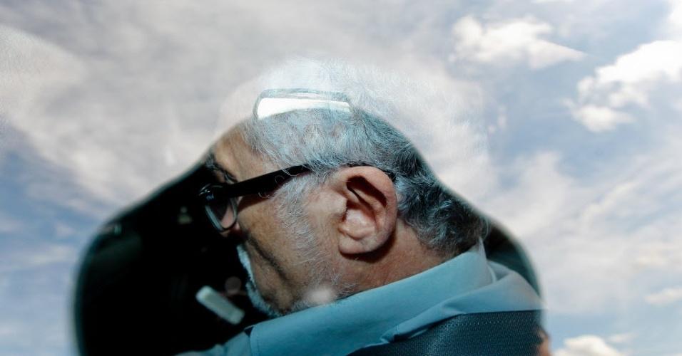 2.jan.2014 - Após ser internado com dores no peito, o ex-presidente do PT José Genoino, 67, fez exames e recebeu alta do Instituto de Cardiologia do Distrito Federal (ICDF), segundo boletim médico do hospital