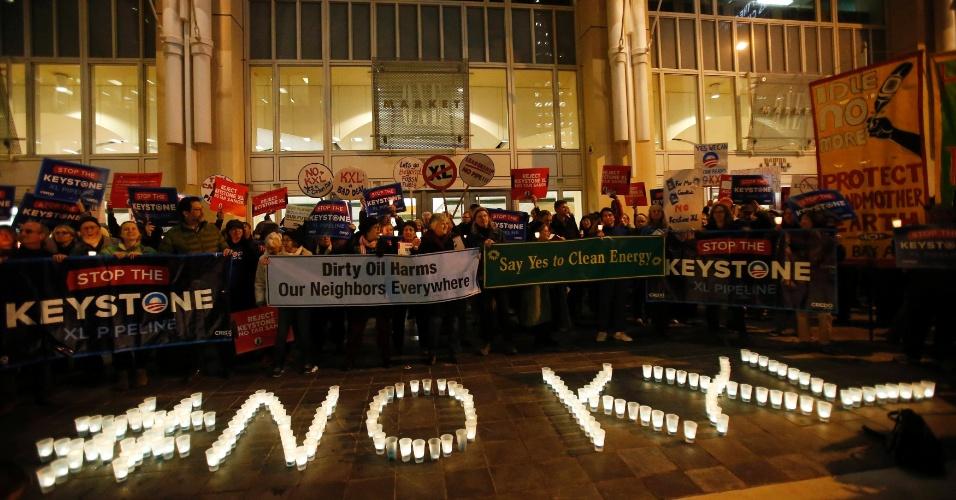 4.fev.2014 - Manifestantes protestam contra o oleoduto Keystone XL em São Francisco, Califórnia (EUA), na segunda-feira (3)