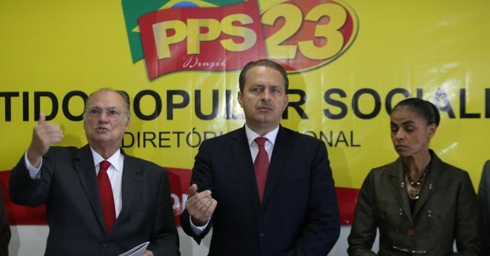 4.fev.2014 - O Gov. Eduardo Campos, Marina Sila e o Dep. Roberto Freire durante a apresentação do programa de Aliança PSB/REDE primeiramente ao PPS, antes do lançamento no Congresso Nacional. Na sede do PPS.