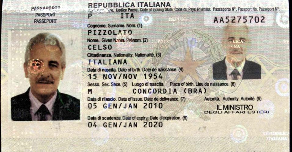 5.fev.2014 - A Interpol divulgou em seu site uma imagem do passaporte encontrado com Henrique Pizzolato, na Itália. O ex-diretor de marketing do Banco do Brasil, que estava foragido desde novembro, foi preso nesta quarta-feira. Condenado no julgamento do mensalão, ele estava com um passaporte em nome de seu irmão Celso Pizzolato, morto em um acidente de trânsito, mas com a sua foto