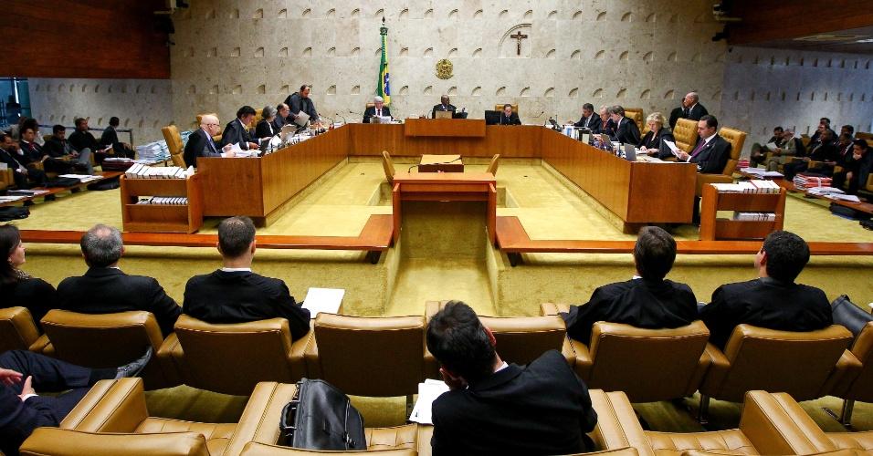 13.fev.2014 - Ministros do STF (Supremo Tribunal Federal) participam de sessão plenária em Brasília (DF)