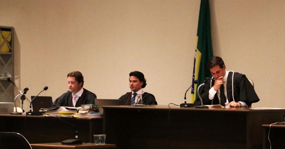 17.fev.2014 - O juiz Rodrigo Tellini de Aguirre durante o julgamento do Massacre do Carandiru, no fórum da Barra Funda, em São Paulo