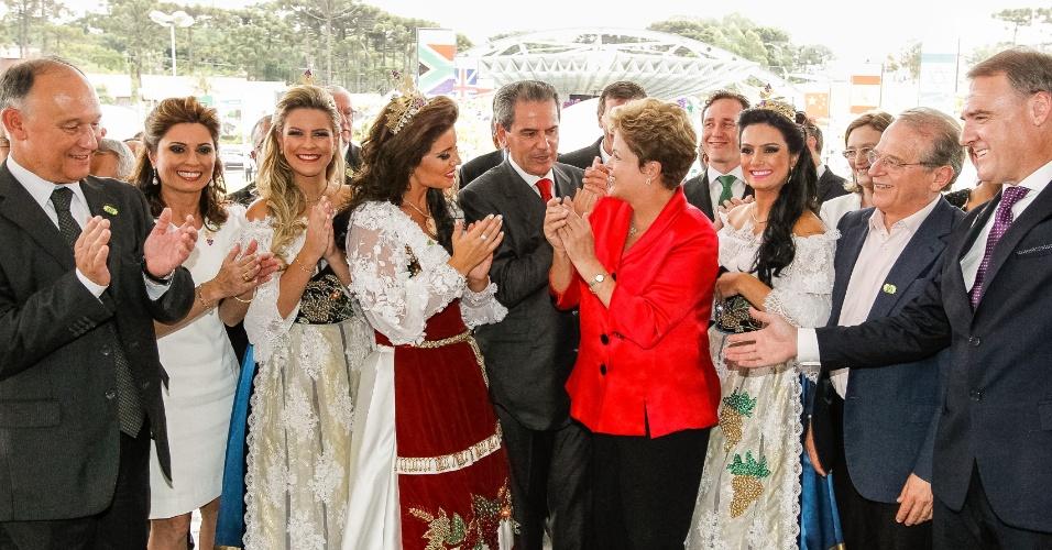 20.fev.2014 - A presidente Dilma Rousseff durante a cerimônia de abertura da 30ª edição da Festa Nacional da Uva, realizada no Parque de Eventos, em Caxias do Sul, no Rio Grande de Sul, nesta quinta-feira (20)