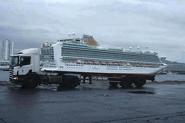 Um caminhão seria capaz de transportar um navio de cruzeiro?