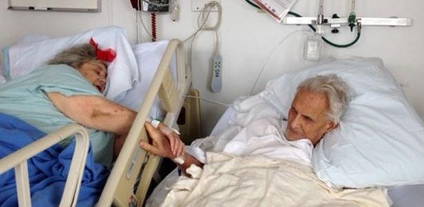 Após passar 60 anos juntos, casal morre lado a lado em um hospital de Nova York