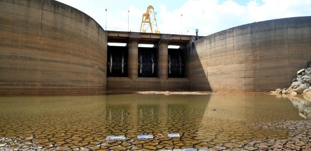 Represa de Bragança Paulista, no interior de SP, que faz parte do sistema Cantareira, está quase seca