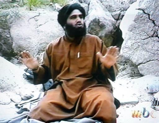 3.mar.2014 - Esta foto do dia 17 de abril de 2002 é a captura de parte do vídeo exibido na rede de televisão saudita MBC (Middle East Broadcasting Center) onde Suleiman Abu Ghaith, o porta-voz do terror e suposto mentor da rede al- Qaeda, reivindica a autoria do atentado de 11 de setembro aos Estados Unidos. O julgamento de Suleiman Abu Ghaith começou em Nova York nesta segunda-feira (3) em meio a condições extremas de segurança em torno do Palácio da justiça de Manhattan. O suspeito, de 48 anos e originário do Kuwait, pode ser condenado à prisão perpétua se for considerado culpado