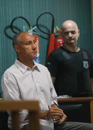20.mar.2014 - Começou na manhã desta quinta-feira (20), no 3º Tribunal do Júri de Niterói, no Rio de Janeiro, o julgamento do tenente-coronel da Polícia Militar, Cláudio Luiz de Oliveira, acusado de ser o mentor do assassinato da juíza Patrícia Acioli, em 2011