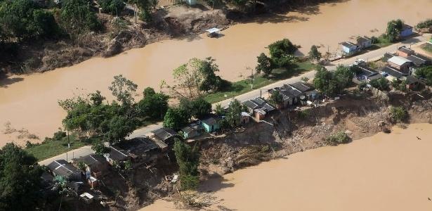 Erosão pode fazer com que parte de Brasileia perca a ligação terrestre com o resto do município