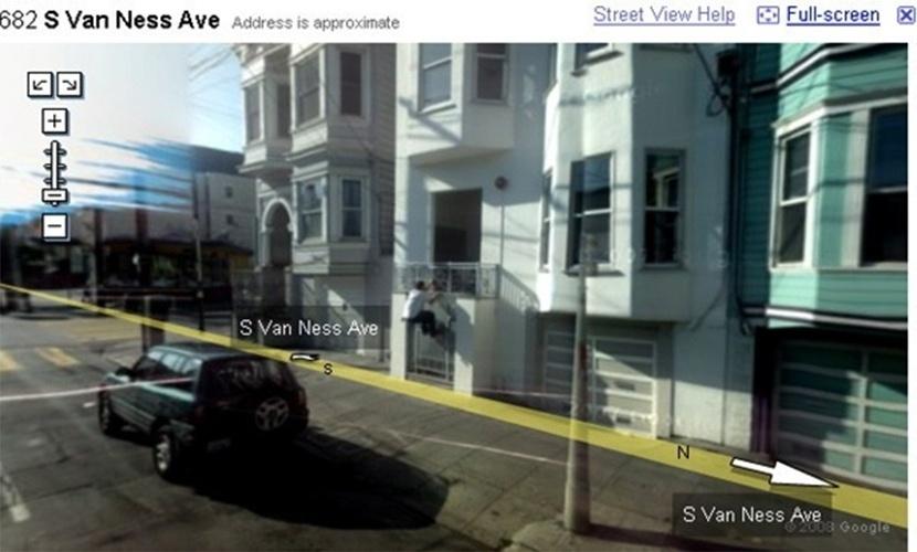 Homem é flagrado escalando varanda de casa. Tentativa de assalto, chave esquecida ou praticando Le Parkour?