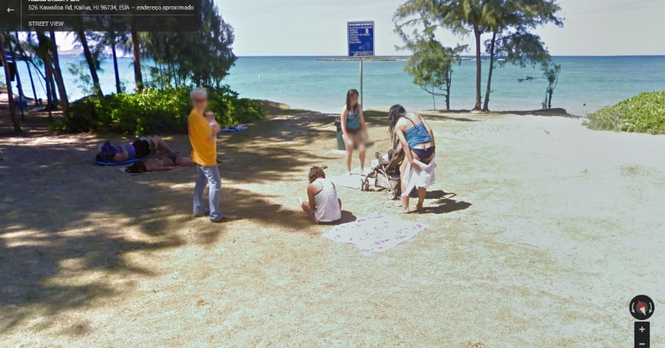 Mulher é flagrada se secando em uma praia do Hawaí, nos Estados Unidos