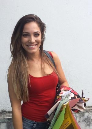 Autora da versão de 'Beijinho no Ombro', Cristiane de Oliveira recebeu convite de agência de modelos