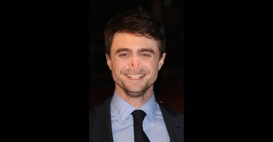 Na imagem, o ator Daniel Radcliffe. O site Buzzfeed pegou o nariz do vilão Voldemort, da franquia 'Harry Potter', e colocou em diversas celebridades, usando o Photoshop