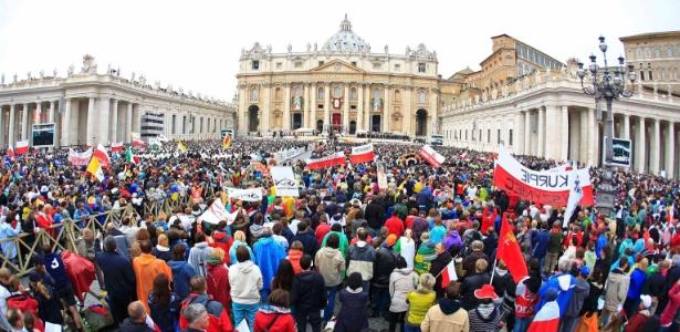 Com novas canonizações, o papa Francisco pretende exaltar a família cristã