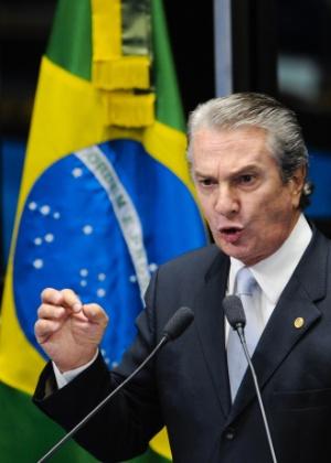 Doleiro Alberto Youssef tinha comprovantes de depósito em favor do senador Fernando Collor
