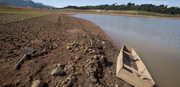 Represa Jaguarí, que integra Sistema Cantareira, armazena cada vez menos água