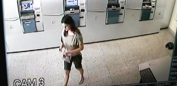 Câmara de segurança de banco mostra Mirian Márcia Rodrigues Tavares, 42, no sábado (3), dia do seu desaparecimento