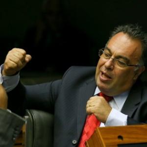 O deputado André Vargas (sem partido-PR) no plenário da Câmara
