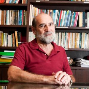 Vitor Paro é professor titular da Faculdade de Educação da USP