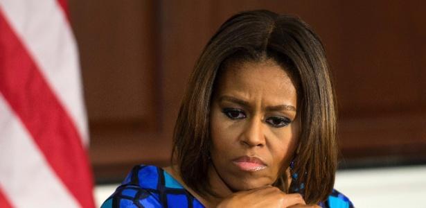Apresentador de TV é demitido após fazer comentário racista sobre Michelle Obama