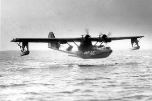 O avião anfíbio do modelo PBY-5 era usado pelas Forças Armadas dos Estados Unidos durante a Segunda Guerra Mundial