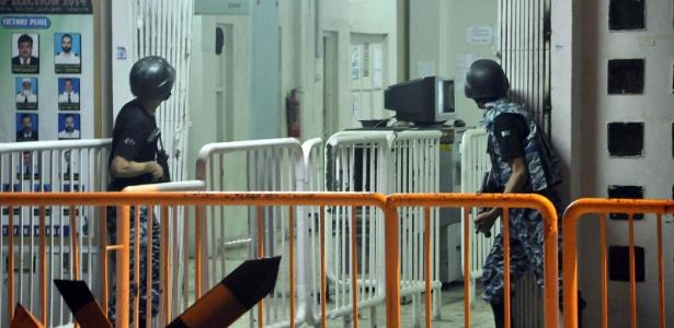 Agente de segurança age durante ataque ao aeroporto