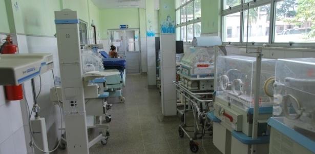 As incubadoras do Hospital da Criança estão quebradas e quando são usadas superaquecem, colocando em risco a vida dos bebês