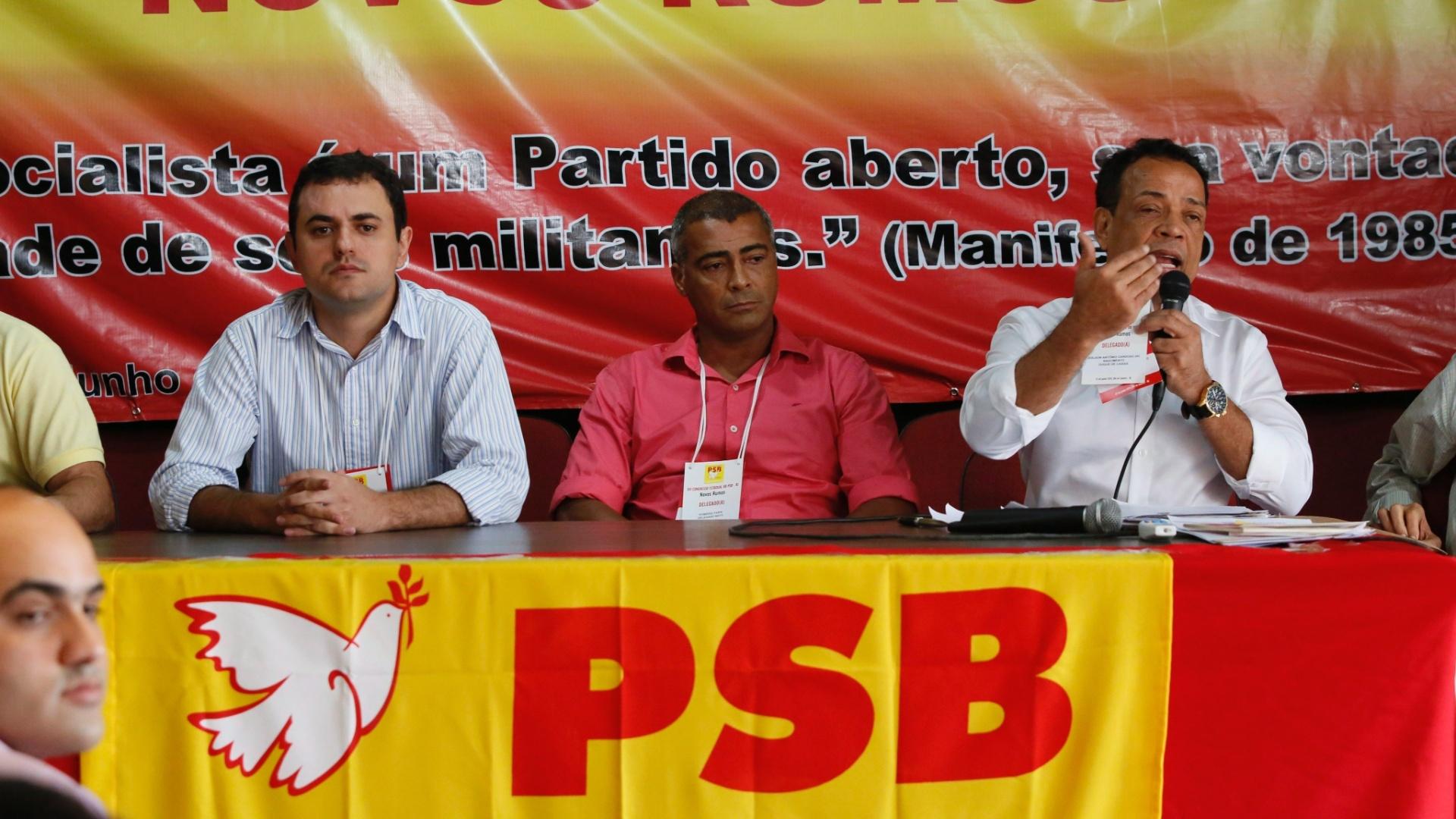 21.jun.2014 - O PSB (Partido Socialista Brasileiro) confirmou durante sua convenção o atual deputado federal Romário como candidato a senador