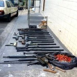 Armas foram encontradas em uma localidade conhecida como Guarabu