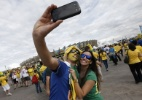 6 coisas que você pode fazer com a câmera do celular (além de tirar fotos) (Foto: Adrian Dennis/AFP)
