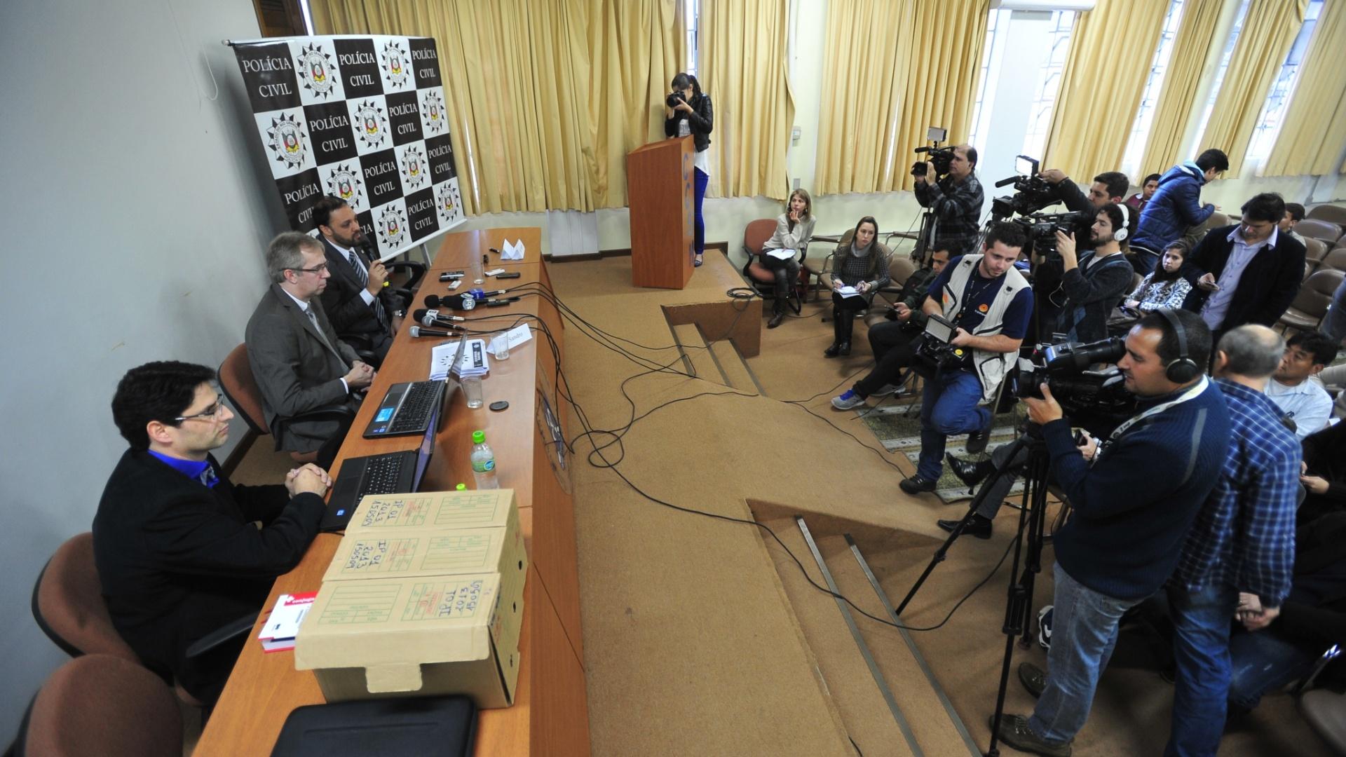 18.jul.2014 - A Polícia Civil indiciou mais 18 pessoa