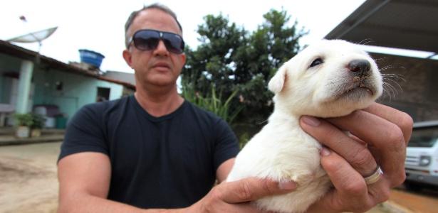 Quem acabou adotando o cachorrinho foi Plauto, o terceiro a ligar demonstrando interesse