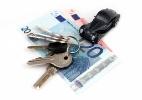 Mulher financia carro com dinheiro do marido. Como declarar no IR 2015? - Getty Images/iStockphoto