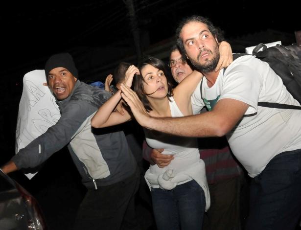 Elisa Quadro, a Sininho, deixa a cadeia no Rio de Janeiro após decisão da Justiça