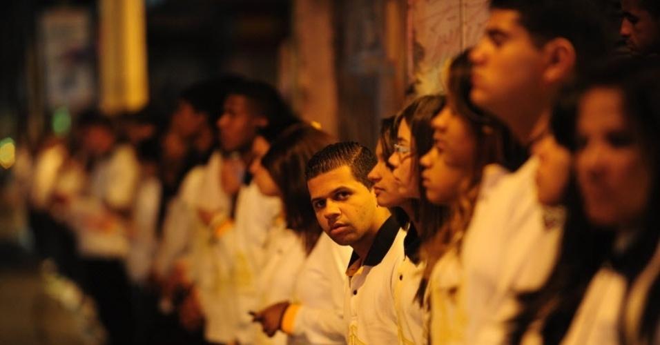 31.jul.2014 - Fiéis acompanham a inauguração do Templo de Salomão, da Igreja Universal do Reino de Deus, na avenida Celso Garcia, na região do Brás, no centro de São Paulo