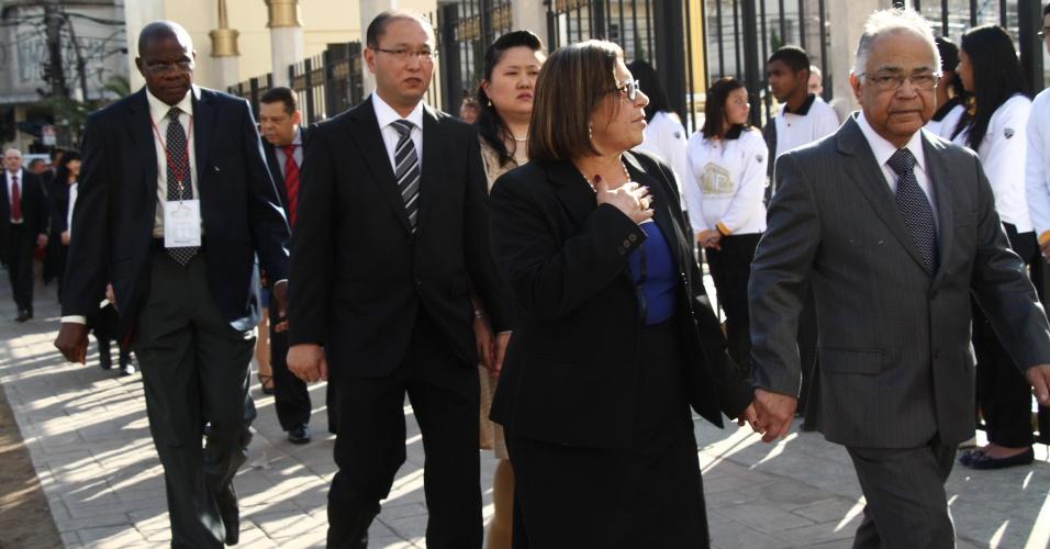 31.jul.2014 - Fiéis chegam para a inauguração do Templo de Salomão, obra da Igreja Universal do Reino de Deus, comandada por Edir Macedo