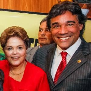 Lobão Filho, candidato do PMDB ao governo do Maranhão, ao lado da presidente Dilma Rousseff