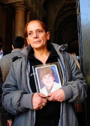 A vendedora argentina Nélida Sérpico encontrou o acusado de matar seu filho após sete anos de buscas