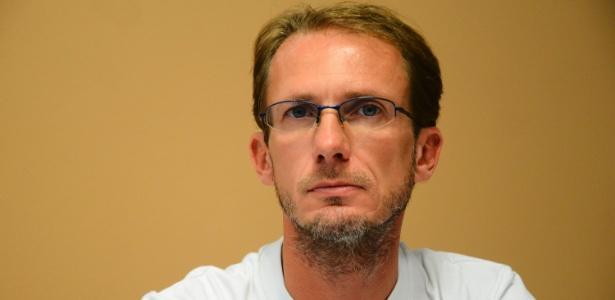 O médico carioca Paulo Reis, 42, trabalhou por um mês com pacientes infectados com o vírus ebola em um hospital de Serra Leoa