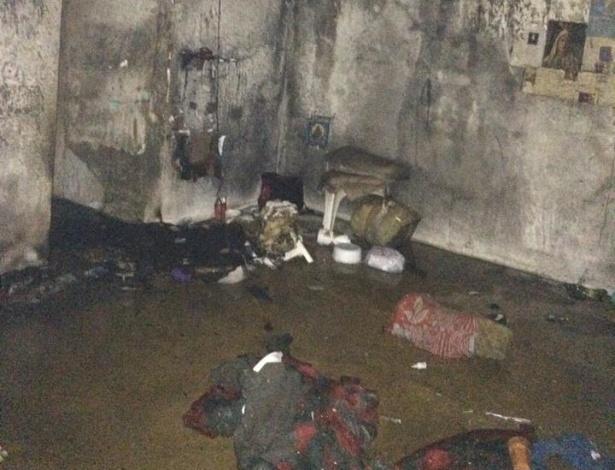 26.ago.2014 - Albergue da cadeia pública de Campestre (430 km de Belo Horizonte) ficou destruído após incêndio em colchões durante motim de presos; um detento morreu por queimaduras