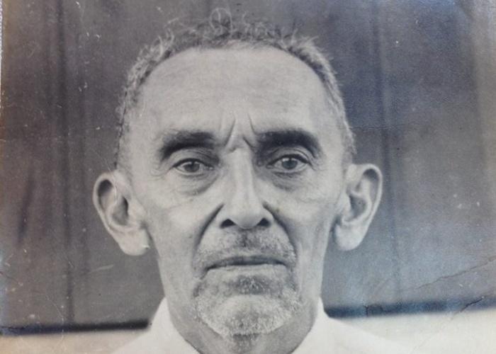29.ago.2014 -  A Comissão Nacional da Verdade informou nesta sexta-feira (29) que identificou os restos mortais de Epaminondas Gomes de Oliveira -- é o primeiro desaparecido político identificado pela comissão. Ele foi morto em um hospital do Exército em 1971 e estava enterrado em Brasília, mas sua família nunca teve acesso aos restos mortais