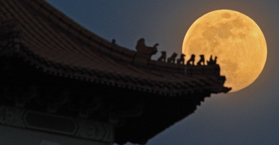 Resultado de imagem para lua cheia na china