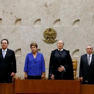 O presidente do STF, Ricardo Lewandowski (de toga), comandará o processo de impeachment de Dilma no Senado
