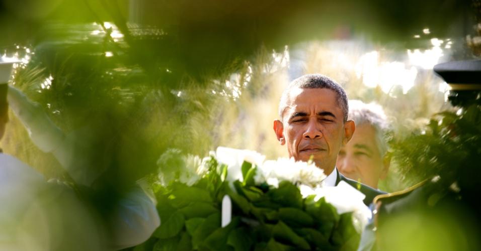 11.set.2014 - Durante uma cerimônia realizada no Pentágono, em homenagem às vítimas dos atentados terroristas de 11 de setembro de 2001, o presidente dos Estados Unidos, Barack Obama, prestou uma homenagem aos mortos na tragédia