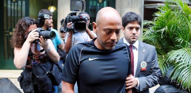 Policiais cumprem o mandado de prisão do coronel Alexandre Fontenele comandante do COE