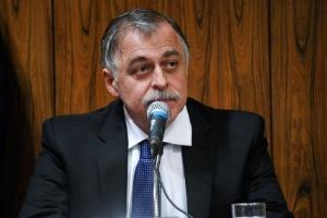 O ex-diretor da Petrobras Paulo Roberto Costa participou de sessão da CPI da Petrobras, mas ficou em silêncio