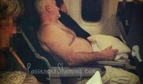 Reprodu��o/Facebook/Passenger Shaming