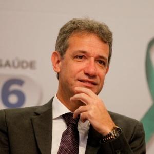O ministro da Saúde, Arthur Chioro, defende a discussão sobre a criação de uma contribuição para financiar o setor